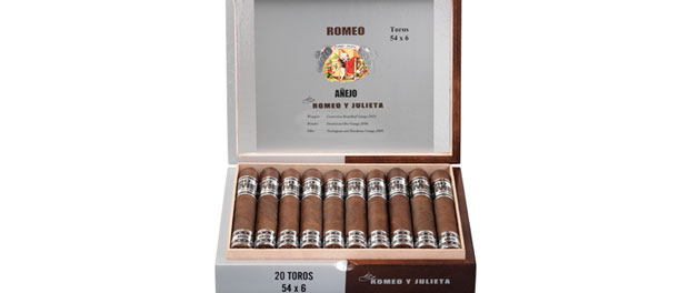 Romeo Añejo Box of Cigars by Romeo y Julieta