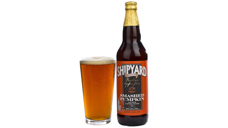 Shipyard Brewing Smashed Pumpkin bottle and glass