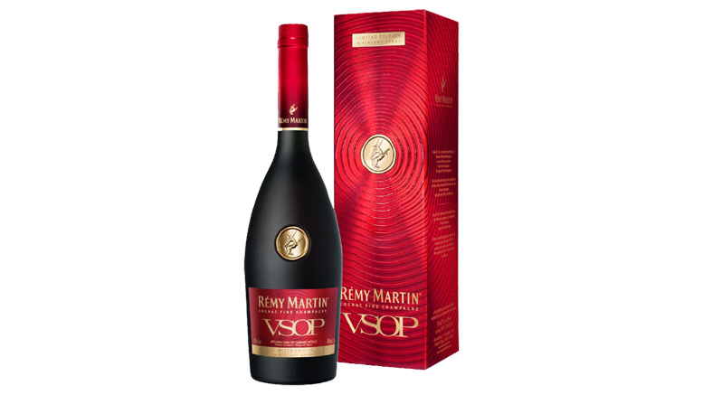 Rémy Martin VSOP bottle and box